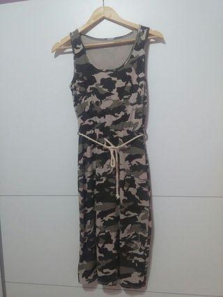 Vestido estampado militar.