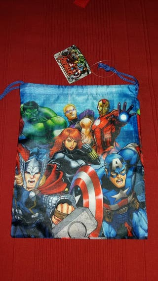 Mochila merendero Avengers. Héroes marvel