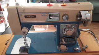 Máquina de coser GEMSY .ESTA NUEVA