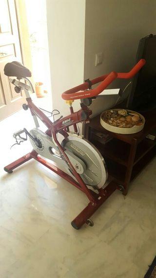 Bicicleta estatica spinning BH