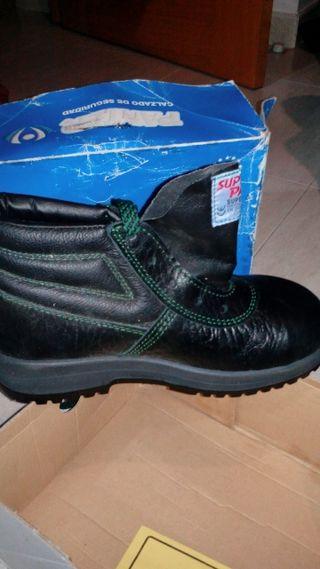 Zapatos De Panter Mano Wallapop Segunda En Seguridad ppqOnHwFr