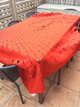 Manta roja Nani marquina