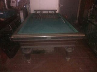 Antigua mesa de billar