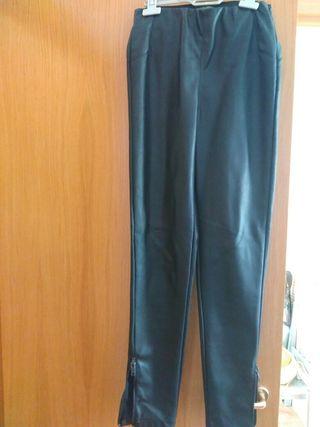 Pantalones limitación cuero
