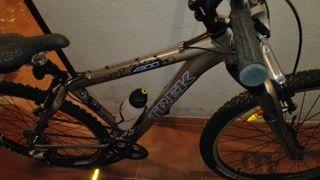 Bicileta de montaña TREK 4300. WSD: RST GILA