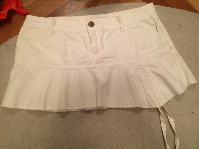 5596a0f2f Preciosa mini Falda blanca Zara T34 de segunda mano por 5 € en ...