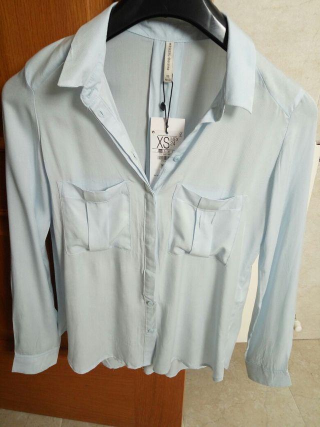 d446926f423bf Camisa XS con etiqueta de segunda mano por 6 € en Moncada en WALLAPOP