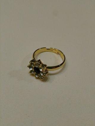Vendo anillo de bisutería ajustable