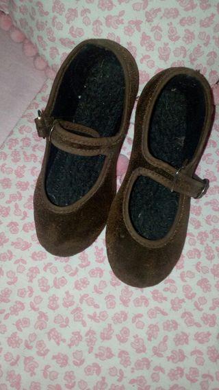 zapatillas terciopelo num 23-24
