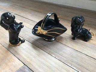 Perros de porcelana de adorno