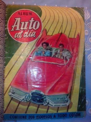 """Album de cromos """"Auto al día"""" de 1954"""