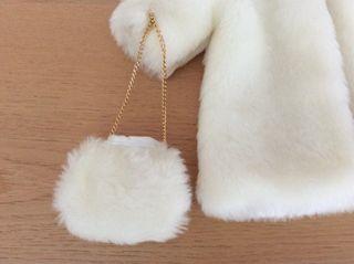 Abrigo y bolso del conjunto FIESTA de QUIRÓN