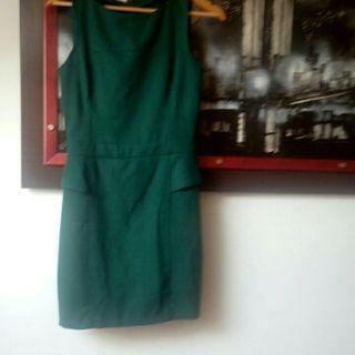 Vestido verde con encaje