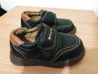 Zapatos Pasite niño talla 25