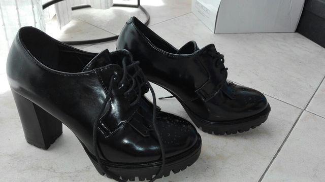Tienda producto caliente varios diseños Zapatos Oxford tacón de segunda mano por 13 € en Madrid en ...