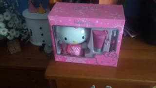 Hello Kitty colonis