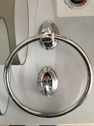 Colgadores cuarto de baño
