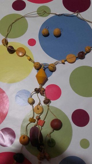 Collar de semillas en tonos amarillos