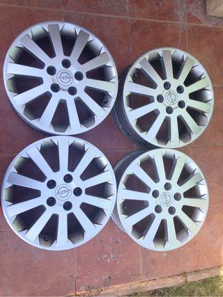 Opel Astra Llantas