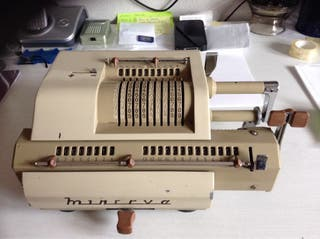 Maquina Calcular Minerva 75 años