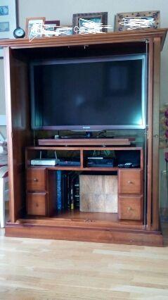 Mueble tv. Madera maciza oportunidad