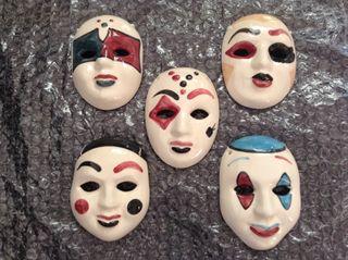 Mascaras pequeñas de cerámica