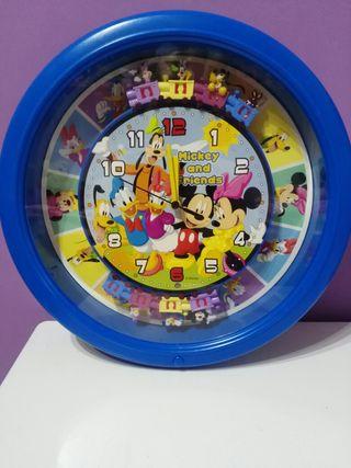 Reloj de disney con música