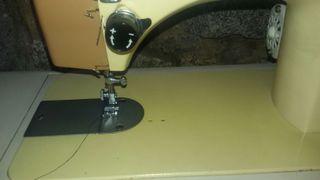 Máquina coser transportable Alfa