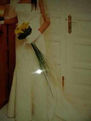 Venc vestit de núvia