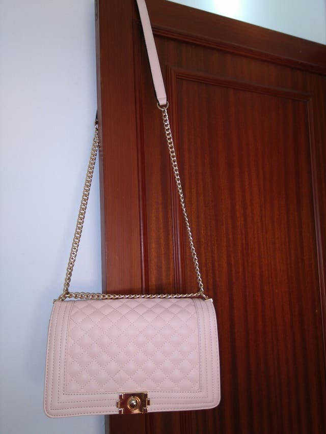 Bolso rosa y dorado
