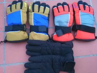 Vendo tres pareja de guante para la nieve.