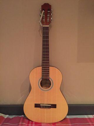 Guitarra nueva de segunda mano por 100 en barcelona for Guitarras barcelona