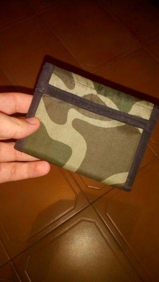 Billetera militar color verde