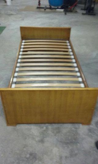 Estructura de cama con somier