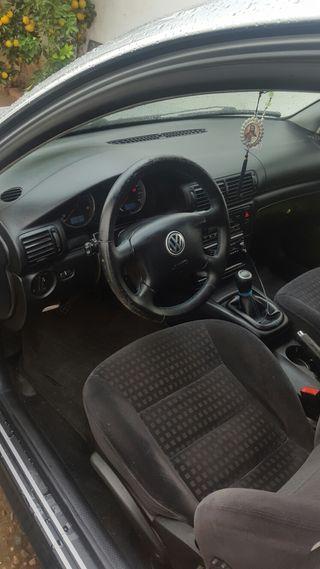 Volkswagen Passat 642698849