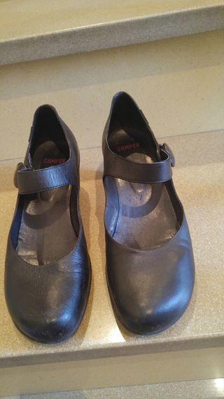 Zapatos Camper negros t.39 de segunda mano por 10 € en
