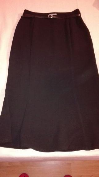 Falda negra de vestir talla 40