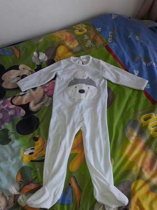 Pijama para 23 meses.