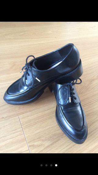 Zapatos Nuevos. Número 40