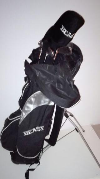 Juego de palos de golf BEAST con bolsa y soporte