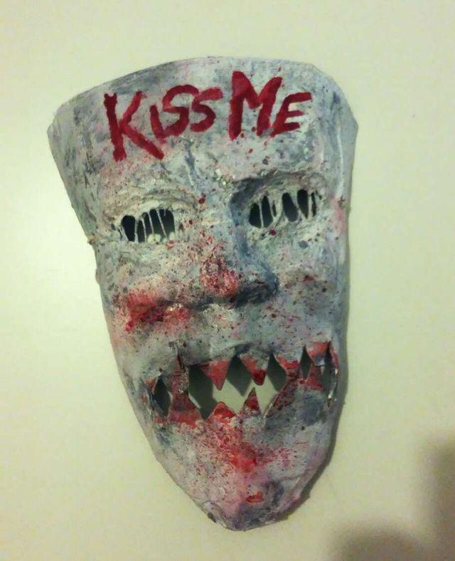 Careta Kiss Me. La purga 3. Oferta!
