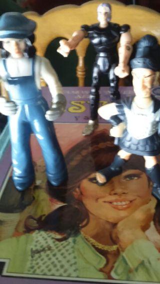 Tres muñecos colección. Únicos,