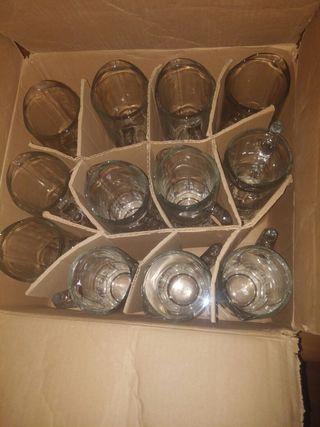 12 jarras de litro.