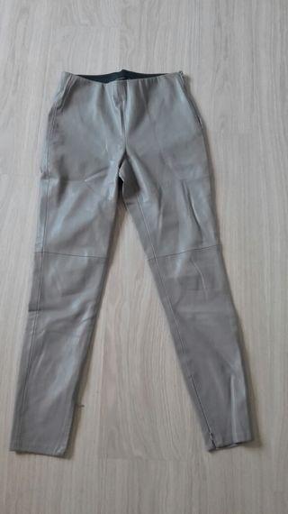 Pantalon polipiel gris