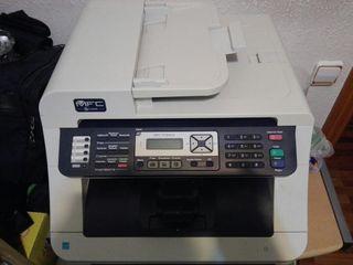 Impresora multifunción Brother laser color