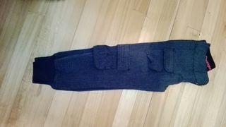 Pantalón desigual, talla 24