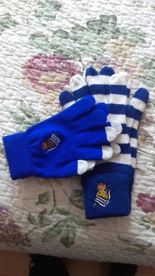 2 Pares de guantes con escudo de la Real.
