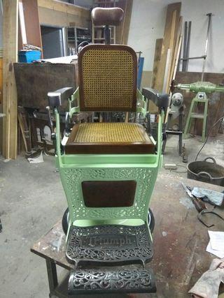 Sillon de barbero antiguo Triumph de 1900