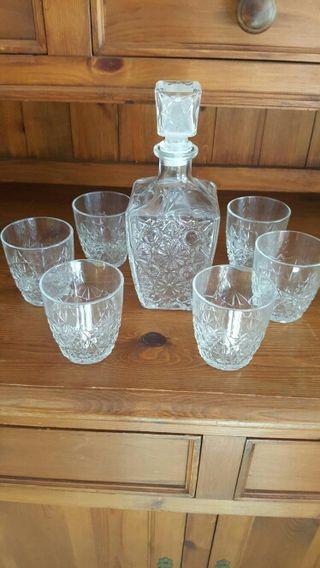 Juegos de vasos y botella tallado