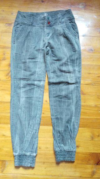 Pantalón gris 38